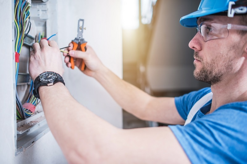 preventative maintenance electrical systems commercial electricians kansas city