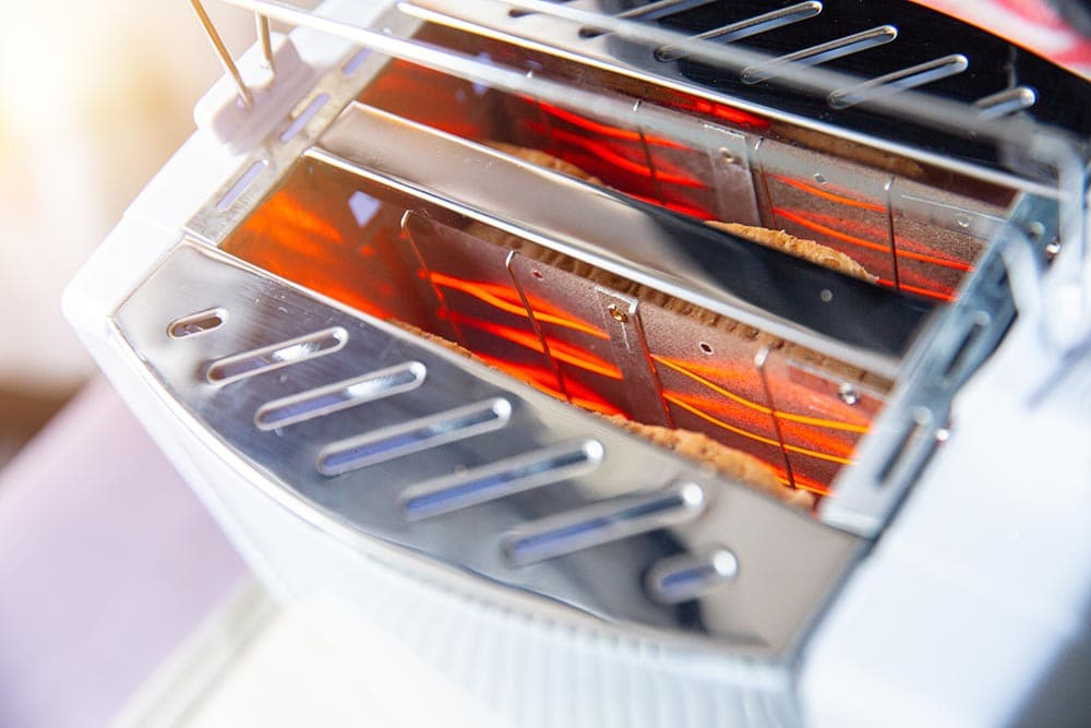 How to Avoid Electrical Shock From Your Toaster